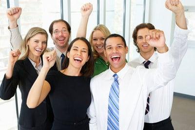 radość ludzie w ubiorze biurowym
