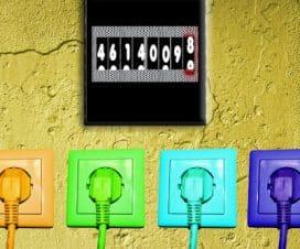 Kolorowe gniazdka w ścianie
