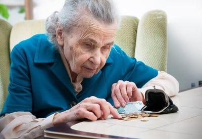 Projekt budżetu na 2015 r. zapewnia waloryzację emerytur i rent