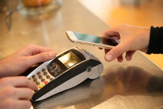 płatność telefonem komórkowym