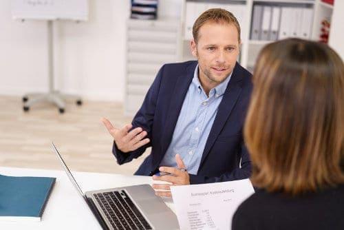 Czym się różni pożyczka na raty od kredytu gotówkowego?