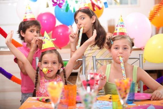Zorganizuj urodzinki swojemu dziecku, co załatwić? Ile to kosztuje?